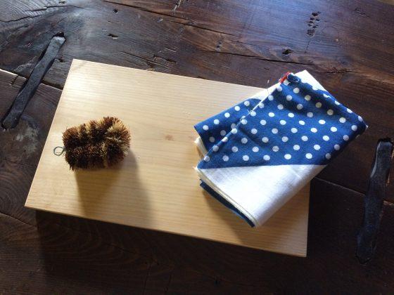 古材家具ショップ白竹木材が教える「ひのきのまな板」のお手入れ方法