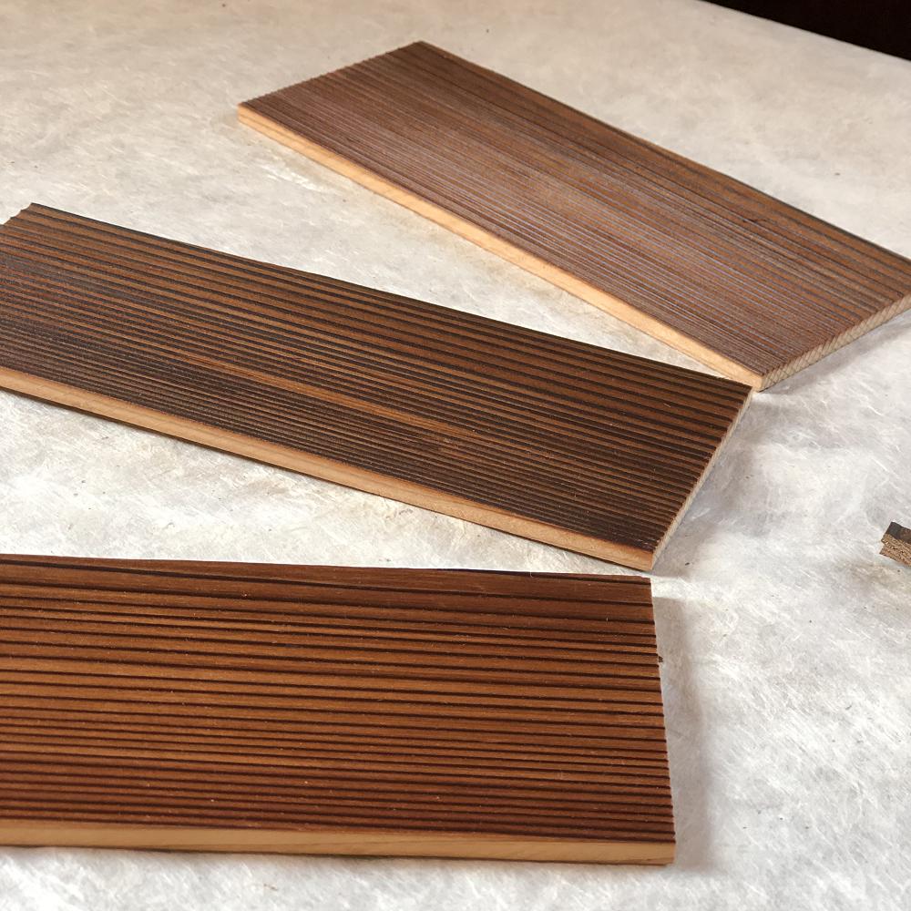 愛知県碧南市の建築会社ならではの雨戸板のリメイク商品を紹介します。